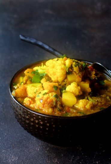 Cauliflower, Red Lentil and Potato Curry