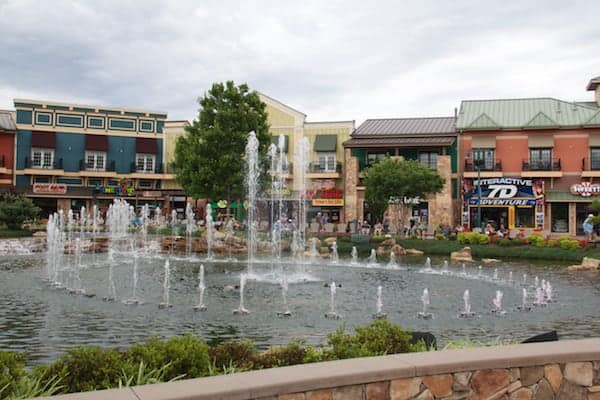 Pigeon Forge - Island - Fountain 2