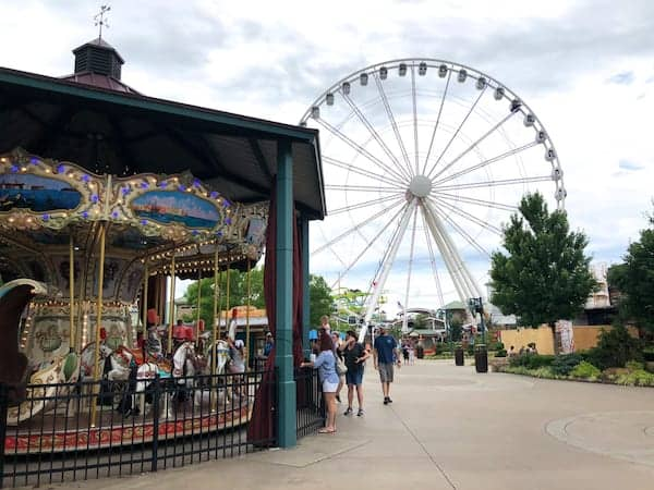 Pigeon Forge - Island - Merry-Go-Round and Ferris Wheel