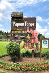 Pigeon Forge, TN is one of the Southeast's most popular vacation destinations. There's something for everyone in Pigeon Forge! #MyPFSummer #sponsored #ad @mypigeonforge