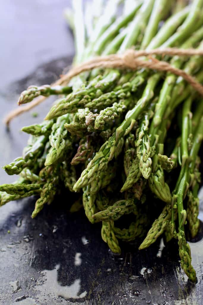 Photo of a bunch of asparagus.